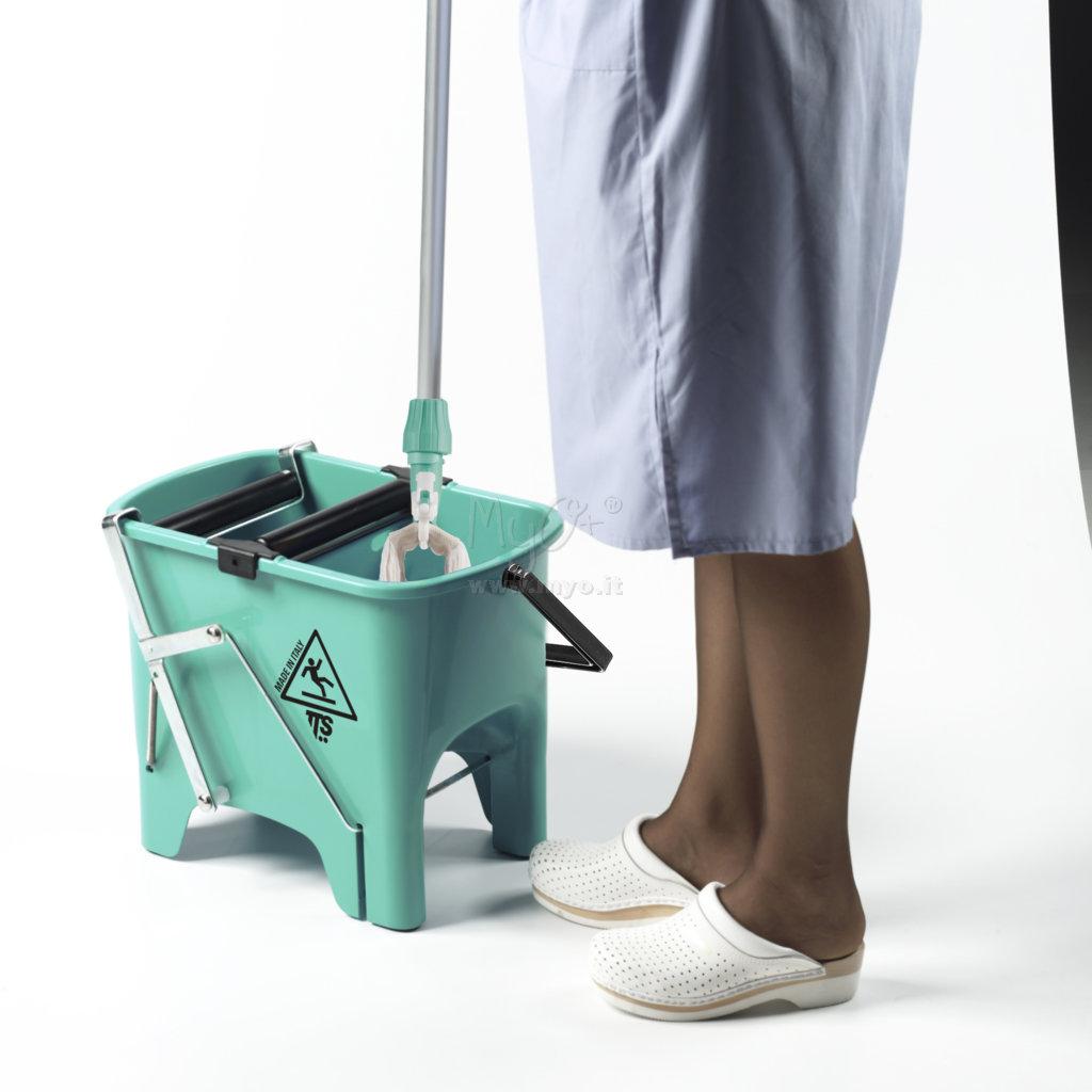 Accessori per la pulizia dei pavimenti acquista in MyO S.p.a. Cancelleria forniture per ufficio